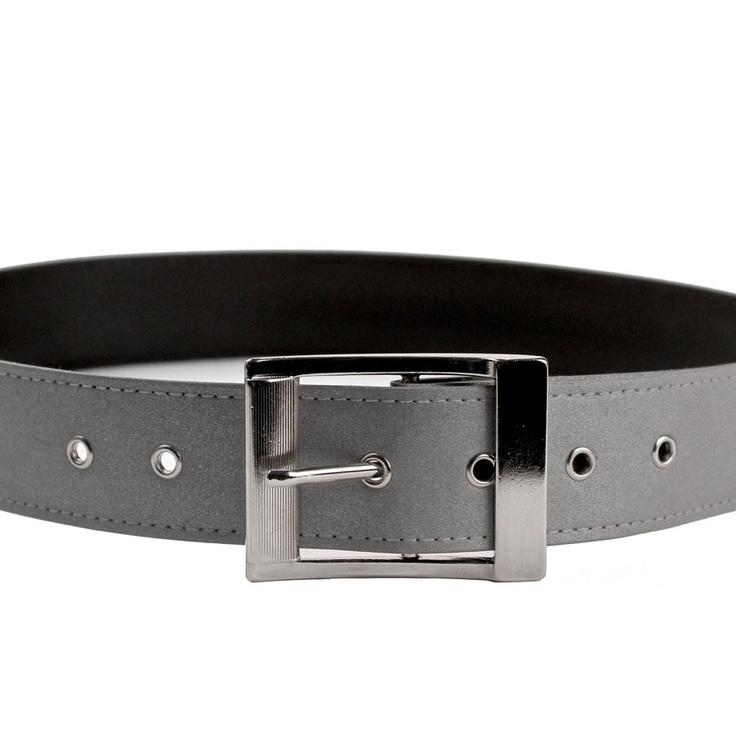 The Vespertine Reflective Skipper Belt is hand-made in New York City from highly reflective 3M Scotchlite™ material.  It has a solid Italian-made metal buckle, a 3.8cm belt with black backing, and seven holes with grommets.  Loop it through your favourite jeans or around an over-coat, and make sure you're seen by other road users.  And when you're not on your bike, it's a completely versatile and elegant belt that even non-cyclists won't be able to resist. £35