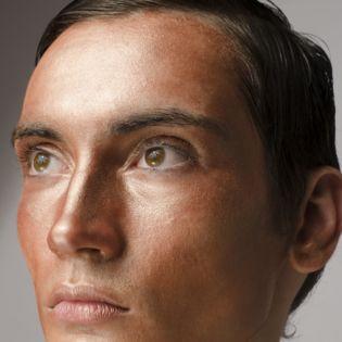 Steeds meer mannen durven te experimenteren met make-up. Dat make-up zogenaamd alleen voor vrouwen, drag queens en homoseksuele mannen zou zijn is grote onzin en nergens op gebaseerd. Ik persoonlij...