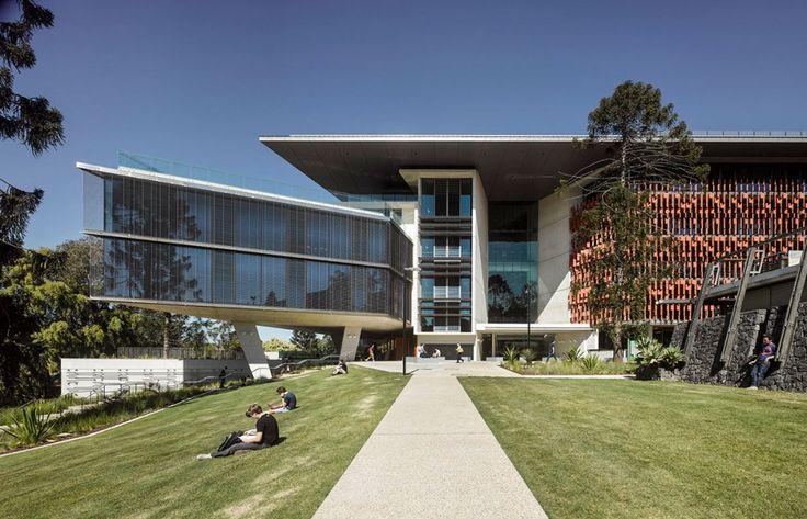 Advanced Engineering Building / HASSELL + Richard Kirk Architect