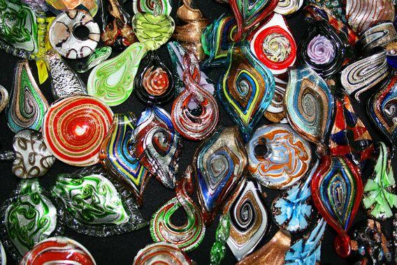 Kleurrijke Handgemaakte Glazen Ornamenten van e-STER design