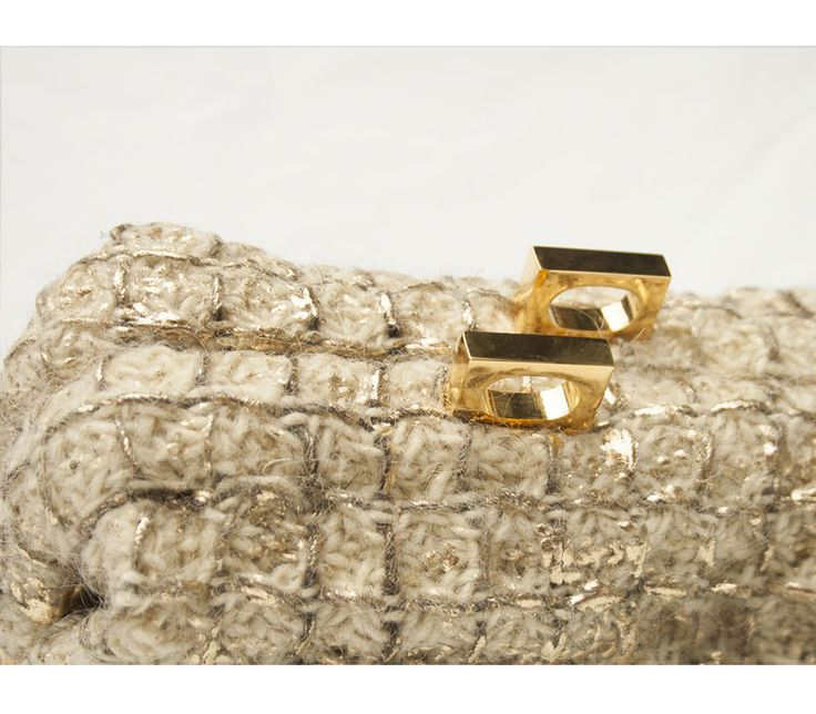 Brazil in handwoven fabric//details. Pulce laminated gold 100% wool. Brass closure