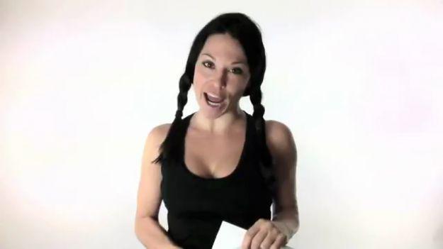 Gli esercizi per le braccia, per rassodare e per snellire, si possono fare in maniera molto facile, anche a casa. Vediamo alcuni suggerimenti utili per braccia toniche e sode.