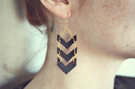 Moorea Seals, Jewelry Bracelets, Chevron Earrings, Dangle Earrings, Gold Jewelry, Diy Earrings, Chevron Dangle, Vintage Style, Gold Chevron