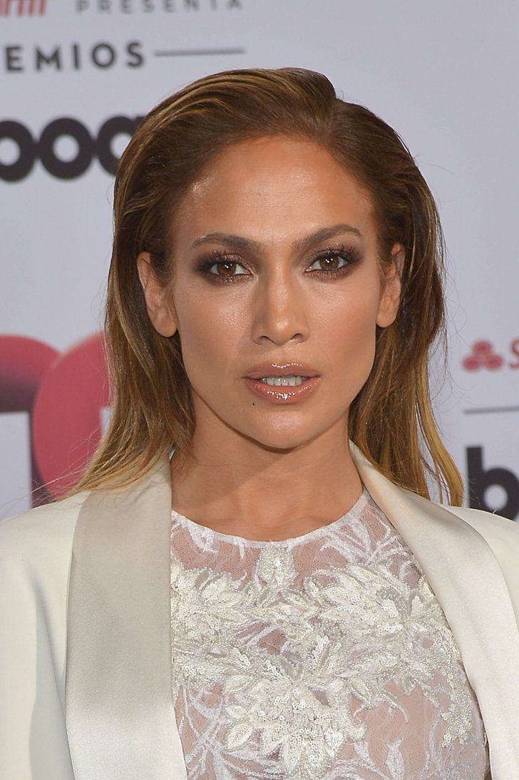 Pin for Later: Awkward Run-In? Jennifer Lopez and Marc Anthony Cross Paths on the Red Carpet