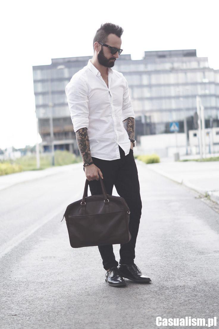 Czarne jeansy do noszenia na co dzień. http://manmax.pl/czarne-jeansy-noszenia-dzien/