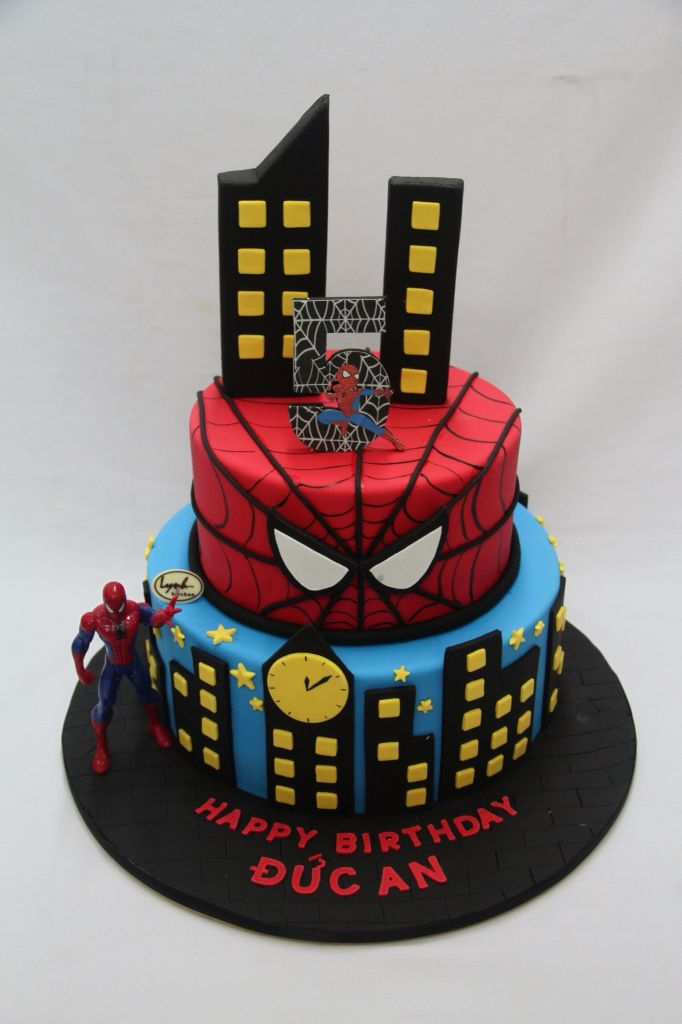 Spiderman Superheroes Cake by Lynh Kitchen Nguoi Nhen
