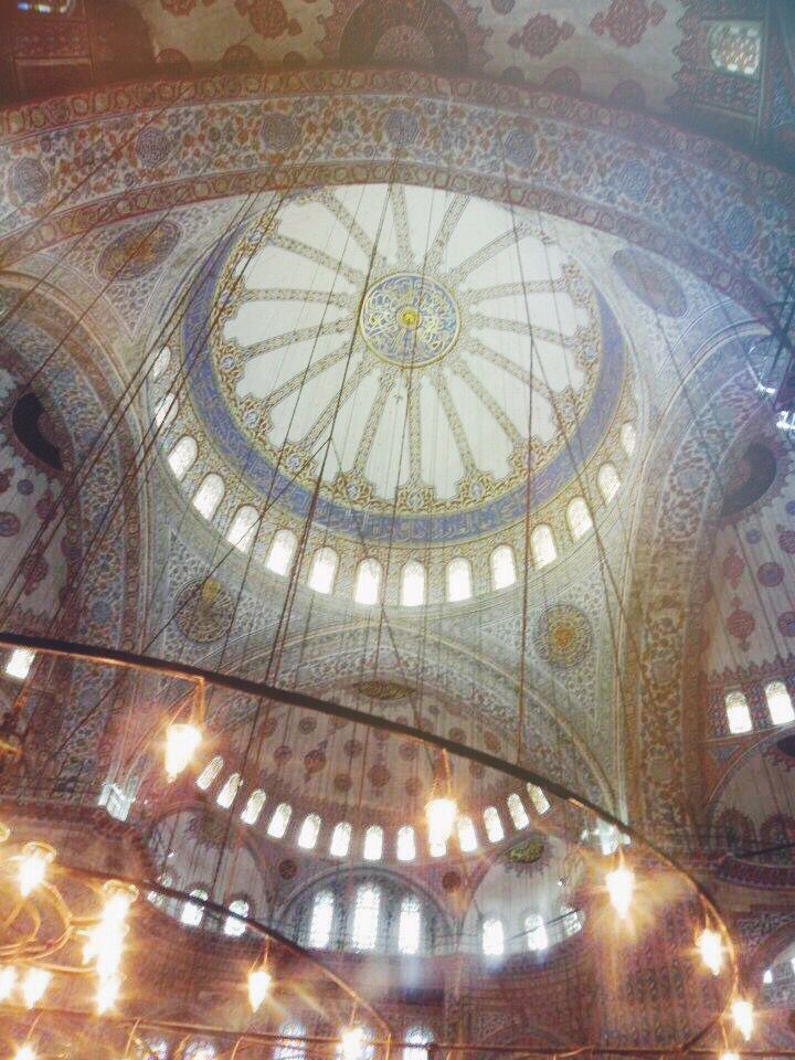 Sultan Mehmet, blue mosque, Istanbul, Turkey. Islamic architecture, art, chandelier, lights, colors