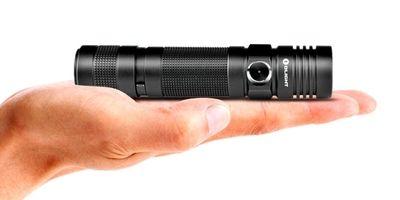 【新製品】11月6日入荷OLIGHTS20RBATON充電式【CREEXM-L2白色LED搭載/明るさMAX:550ルーメン/18650電池×1本】USB充電ドック+充電池付属