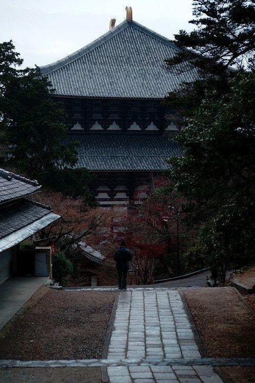 Todai-ji Nara,Japan 朝参り 東大寺