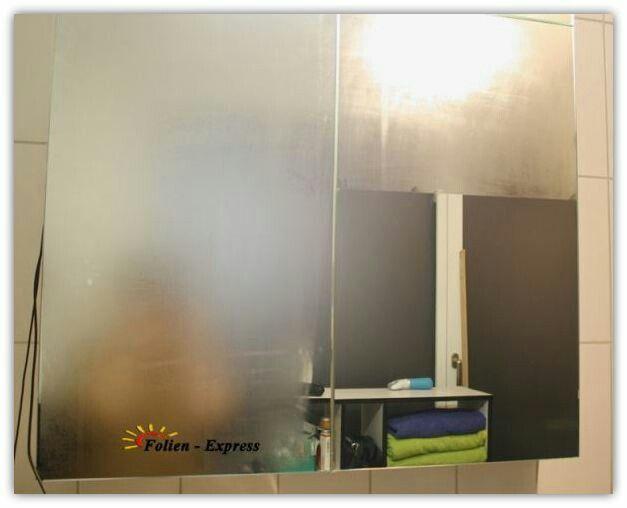 Antibeschlagfolie gegen das Beschlagen von Spiegel:     Wer kennt das Problem nicht mit dem beschlagenen Spiegel nach dem Duschen. Unsere Antibeschlagfolie wurde mit einer speziellen Oberflächenbehandlung versehen die das Beschlagen (Kondensieren Wasserdampf) auf Flachglas verhindert. Die Ideale Folie für Hotelzimmer Duschräume Badezimmer usw.  weitere Infos erhalten Sie auf www.swissfoilexpress.ch