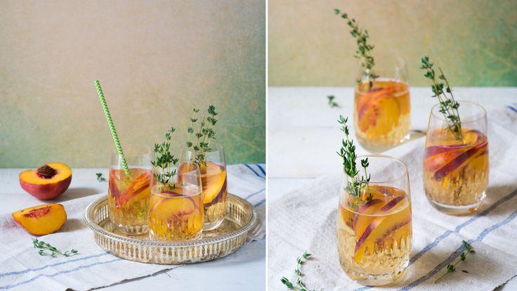 Recept: Vit sangria med persika och prosecco
