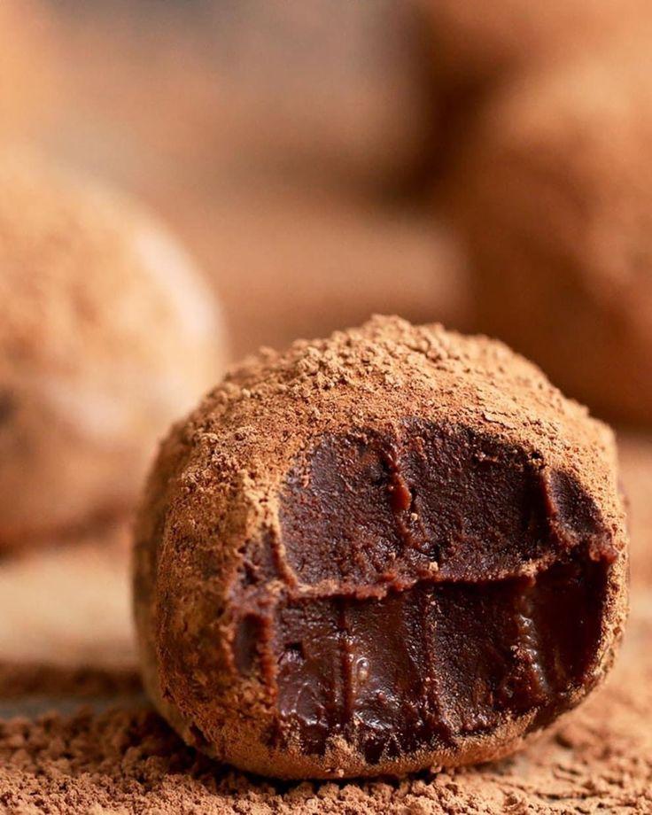 17 Super Delicious Homemade Chocolate Truffles