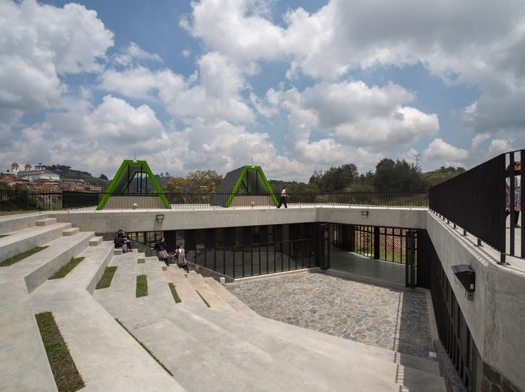 San Vicente Ferrer Community Center/ Plan:b arquitectos / Columbia