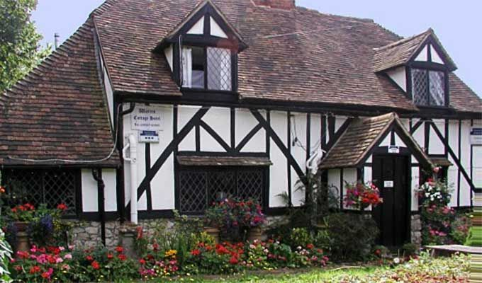 Book a B&B Ashford Kent England - Warren Cottage Guesthouse in Ashford