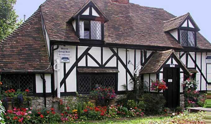 Book a B&B Ashford Kent England - Warren Cottage Guesthouse in Ashford