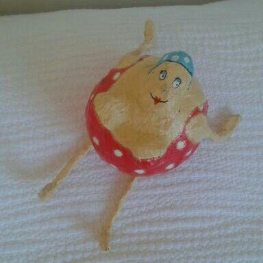 fat women! GORDAS... con papel mache y un globo!