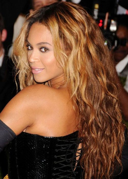 Beyonce is definitely one of our faves, and this hair nails the popular light and ombre trends.