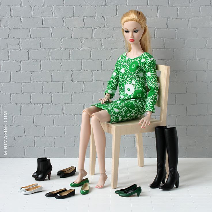 Which shoes from my playscale collection fit this doll? I invite you to my review. #poppyparkerdoll #poppyparker #dollfurniture #furniturefordolls #furniture4doll #sixthscale #diorama #dollshoes