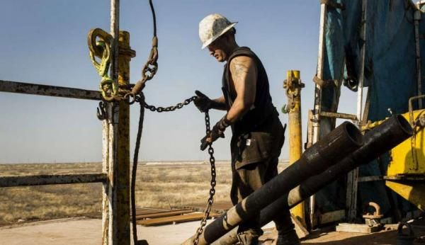 Is Peak Permian Only 3 Years Away? https://betiforexcom.livejournal.com/28152100.html  Authored by Tsvetana Paraskova via OilPrice.com, The world's hottest shale basin, the Permian, is leading the second U.S. wave of tight oil production growth and will continue to do so for years to come, all analysts say. However, s...The post Is Peak Permian Only 3 Years Away? appeared first on crude-oil.news.The post Is Peak Permian Only 3 Years Away? appeared first on aroundworld24.com…