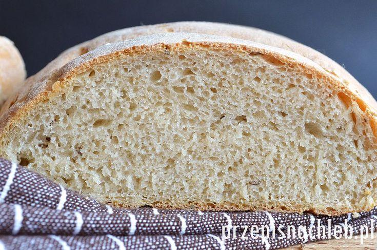 Norweski chleb żytni. Chleb z przewagą mąki żytniej jasnej, tzw. chlebowej typ 720 – przygotowany na drożdżach. W oryginale chleb ten pieczony jest z dodatkiem kminku, jednak jeśli ktoś nie przepada – można pominąć. Chleb zaraz po upieczeniu jest bardzo chrupiący i intensywnie pachnie kminkiem. Raczej prosty w przygotowaniu, ale wymaga długiego wyrabiania. Składniki Przygotowanie […]