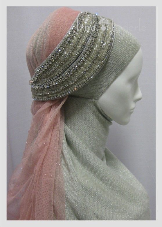 Head Accessories For The Muslim Bride