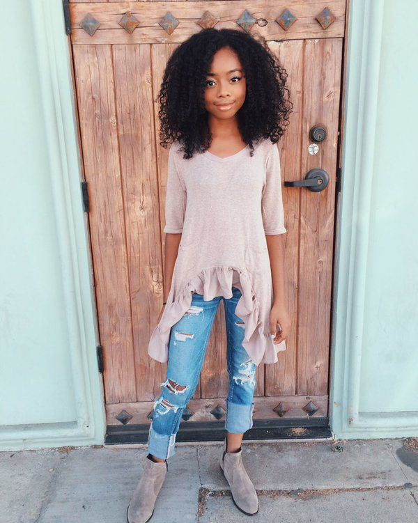 Skai Jackson Has a Ballerina Moment - Twist