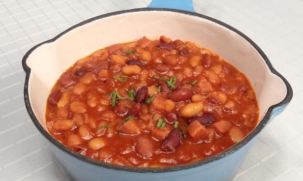 Favourite Slow Cooker Baked Beans