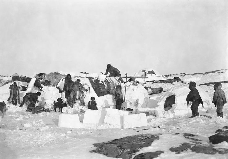 Inuit igloos, Fullerton Harbour, Nunavut, c.October 1903:  Read more at: https://www.bloglikes.com/blogs/2017-02-26/the-white-frontier-female-photographer-captures-beautiful-images-of-canada-s-most-remote-regions-in-the-1900s