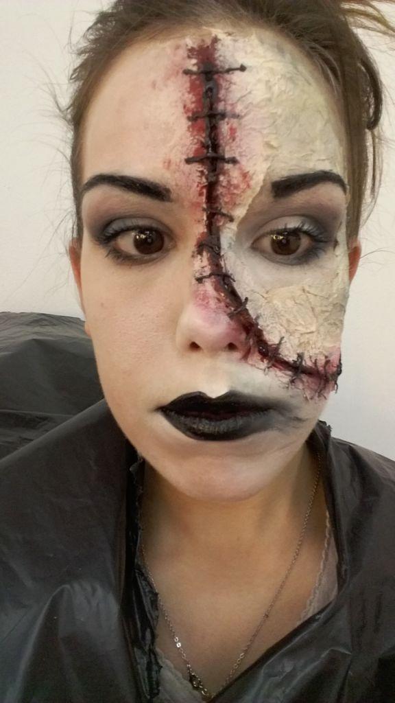 Image result for calavera mexicana maquillaje mitad