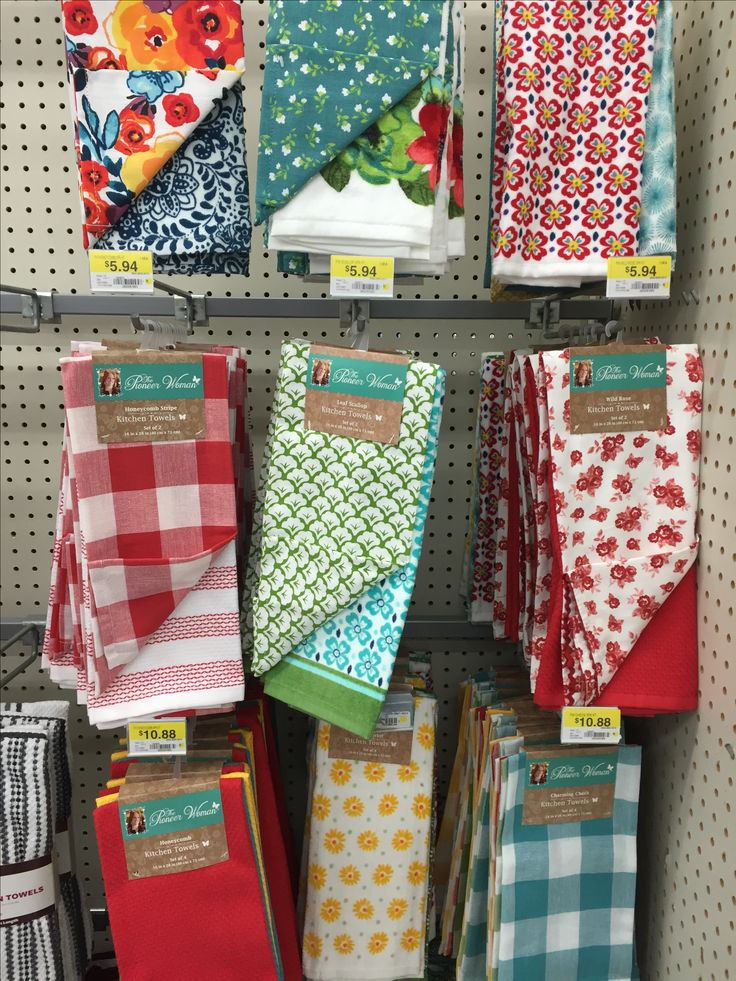 Pioneer woman kitchen towels and everything else
