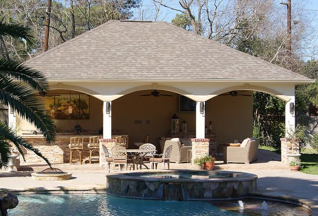 Freestanding pool cabana with outdoor kitchen bathroom for Cabana bathroom ideas