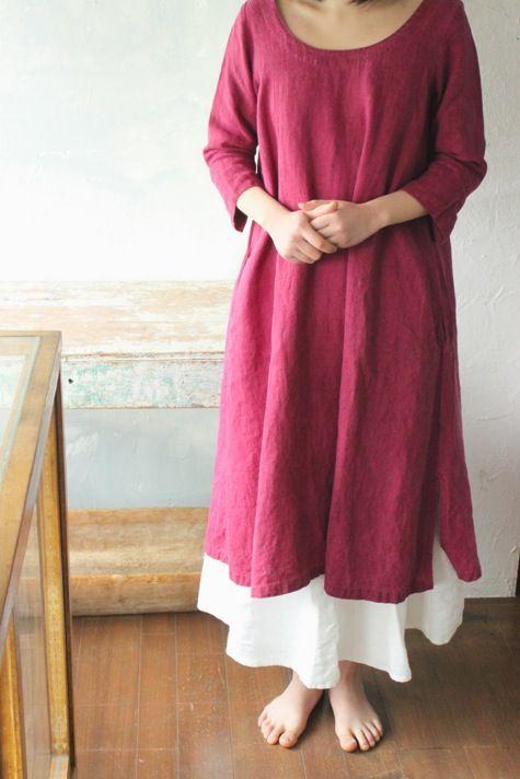 kiita. Feminine lines and color, lovely neckline, simple, clean