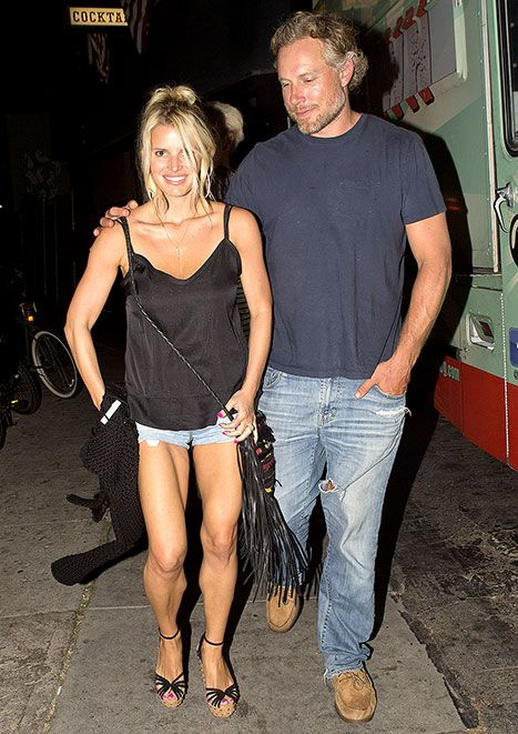 Daisy Duke date night! Jessica Simpson's legs looked insane on a date in Venice Beach. All that hard work is totally paying off!