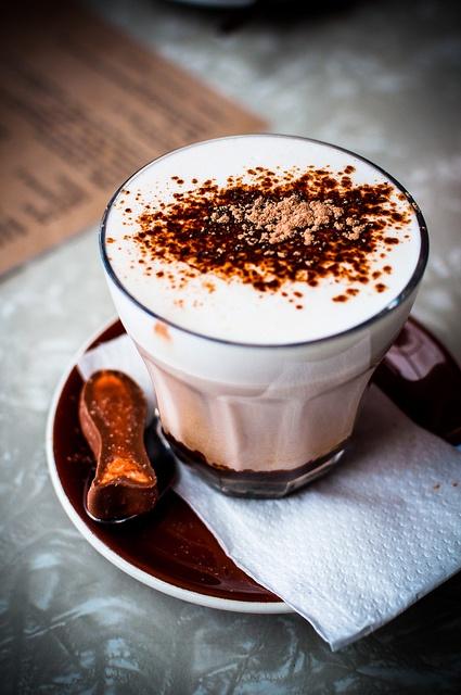 hot chocolate    the shack, raglan, new zealand