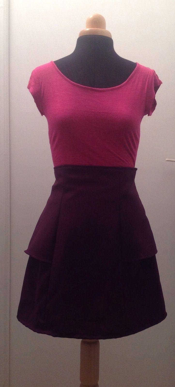 Au cas ou vous aviez encore des doutes, j'adore le violet!!! Au programme ce soir, la jupe anemone de Deer and Doe, modele avec basque car vachelent plus sympa!!! Le patron tombe nickel(comme toujours avec eux!!) et est tres facile a coudre! Contrairement...