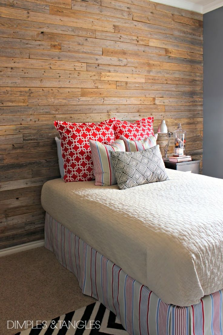 DIY wood plank wall from old fence boards, tutorial