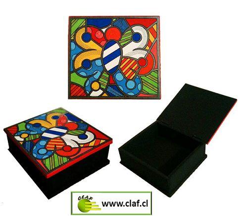 COFRE MARIPOSA POP ART, TIENES QUE TENERLO!! Para que guardes lo que quieras en este maravilloso cofre. Fabricado en madera barnizada. Diseño pintado a mano.  Medidas:  - Largo: 26 cm - Ancho: 24 cm - Alto: 10 cm  www.claf.cl