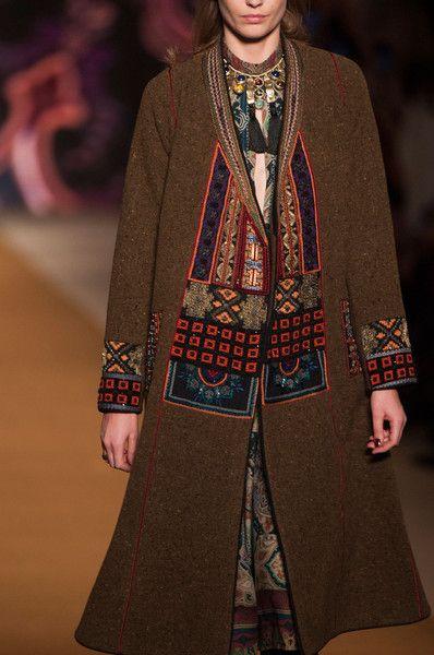 Etro Fall 2014  – High Fashion / Ethnic & Oriental / Carpet & Kilim & Tiles & Prints & Embroidery.
