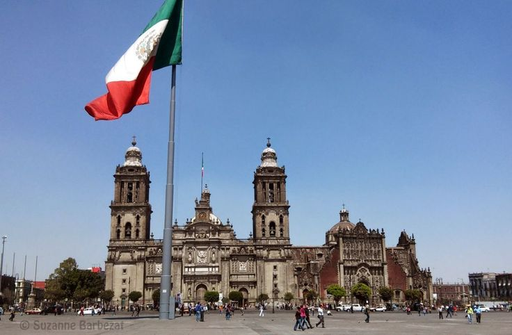 Visit Mexico City's important sights on this walking tour of the nation's capital, which will take you from the Zocalo to Alameda Park.