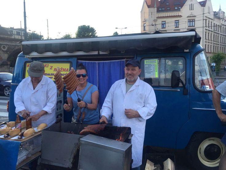 Pierwszy food truck w Krakowie, czyli kultowe kiełbaski z Nyski / Krakow's first food truck