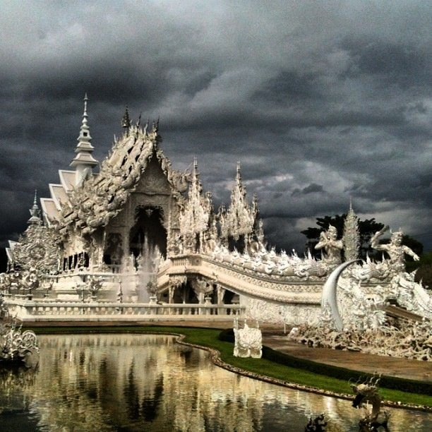 Wat Rong Kun, Thailand