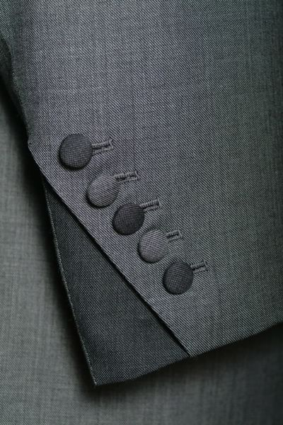 The alternating fabric is genius. Bespoke tailoring | Sousters & Hicks…