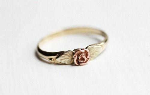 vintage gold rose ring