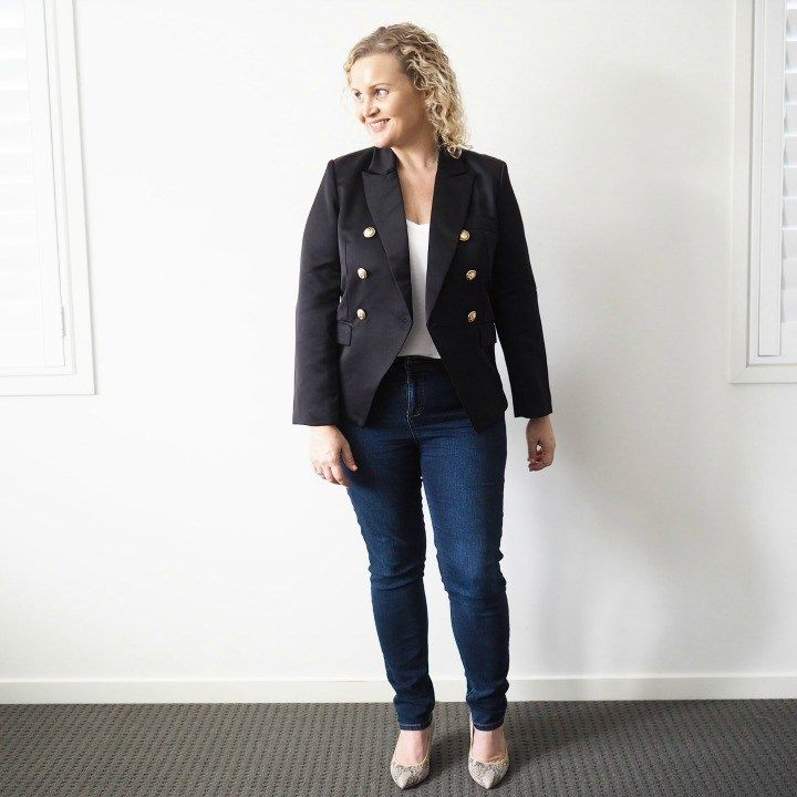 Want to add a jacket to your wardrobe this autumn-winter but don't know where to start? This guide to 5 fabulous jackets you need in your life  will help. Bohemian Traders black blazer | Katies Fashion denim jeans | naturalizer pumps | kirsten and co