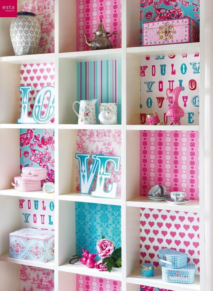 Inspiratie beeld. Creatief met restjes behang. wallpaper colorwallXL Love collectie van estahome.nl