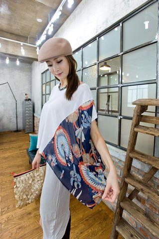 side layer motif sleeve tee shirt from Kakuu Basic. Saved to Kakuu Basic Blouses & Shirts.