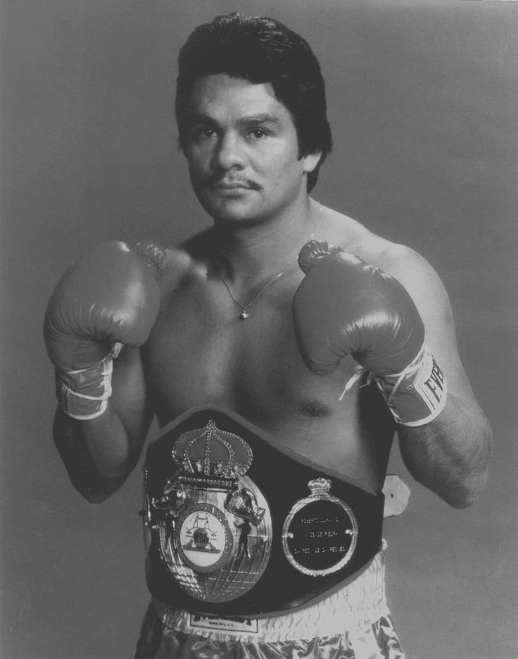 Roberto Duran / Lightweight, welterweight, junior middleweight, middleweight / Ring career: 1968-2001 / Record: 103-16 (70 KOs)