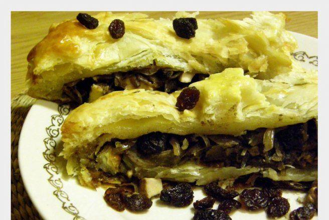 Retete Culinare - Varza cu ciuperci in aluat frantuzesc (masa de Craciun poloneza)