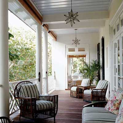 great sized verandah with cane furniture and end room extension