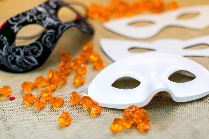 Cauti o masca de carnaval? Alege modelul preferat din gama noastra! 🎭